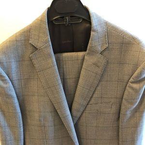 Men's 40R Calvin Klein suit